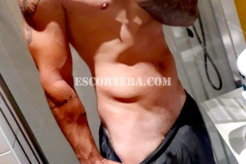 escorts - Boys - Andres - Nível universitário, inteligente, bonito, charmoso, simpático, educado.